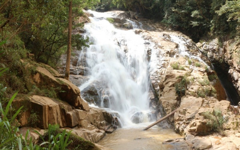 Tiger waterfall trekking tour