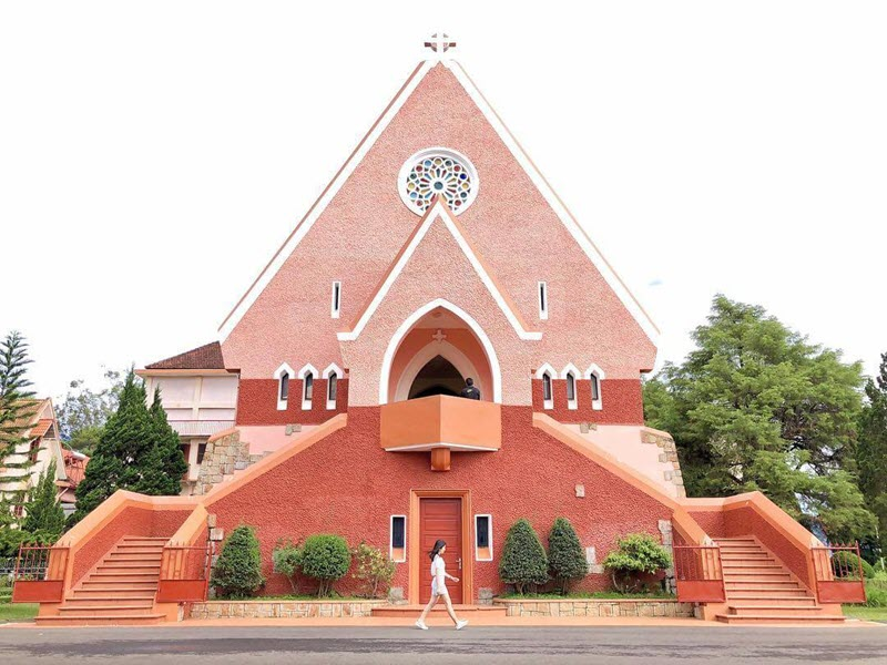 Khám phá lãnh địa Đức Bà - nhà thờ Domaine Đà Lạt